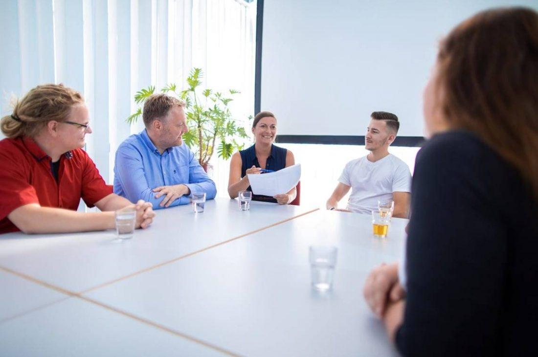 kundenmanagement-bpo-teammeeting